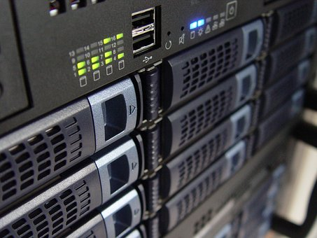 How can a dedicated server increase your website traffic?